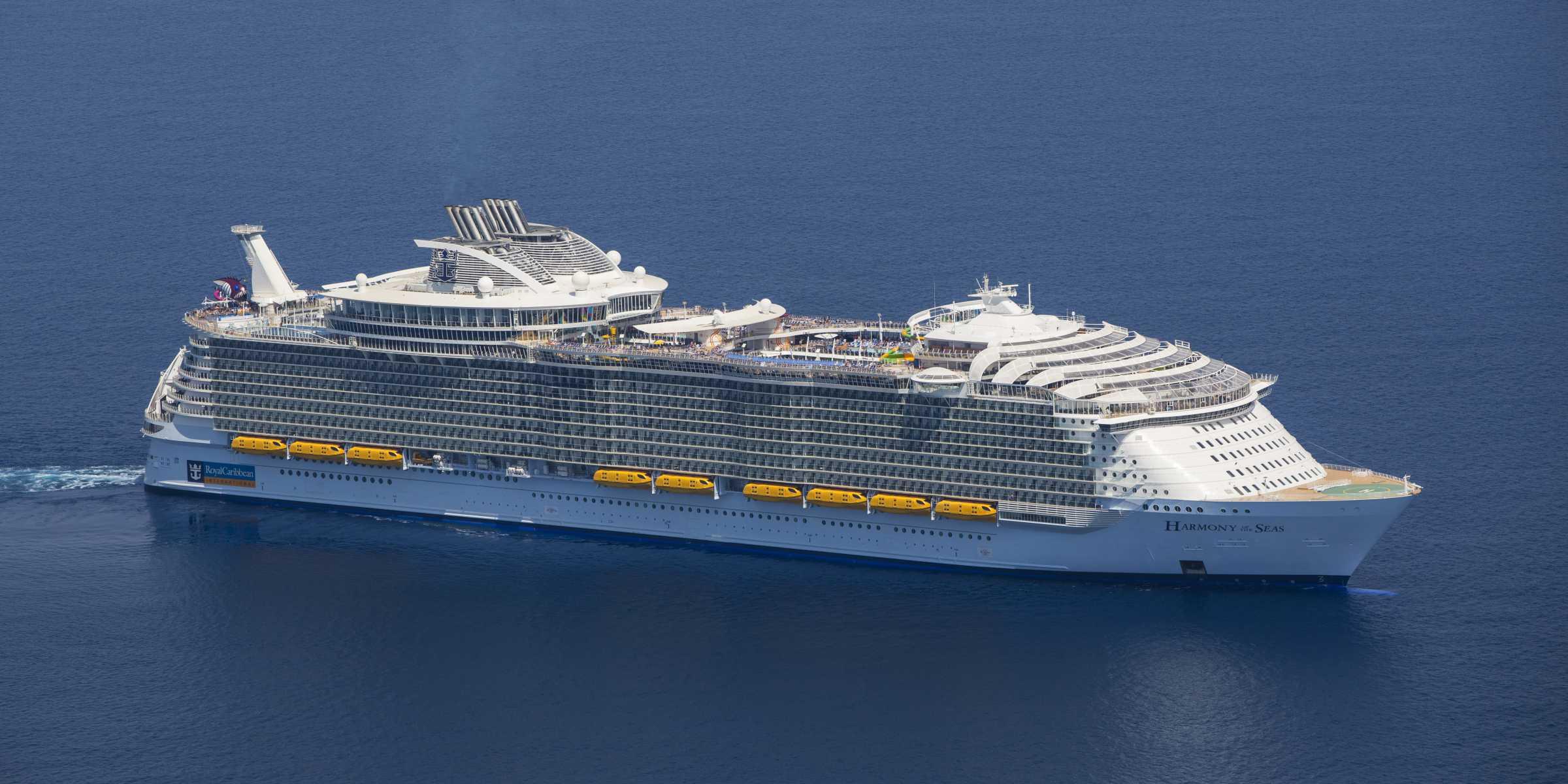 World's Largest Cruise Ship - Royal Caribbean