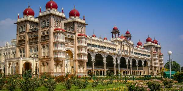 14-Day Southern India Private Tour w/ Air